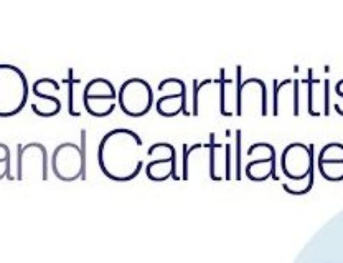 How does hip osteoarthritis differ from knee osteoarthritis?